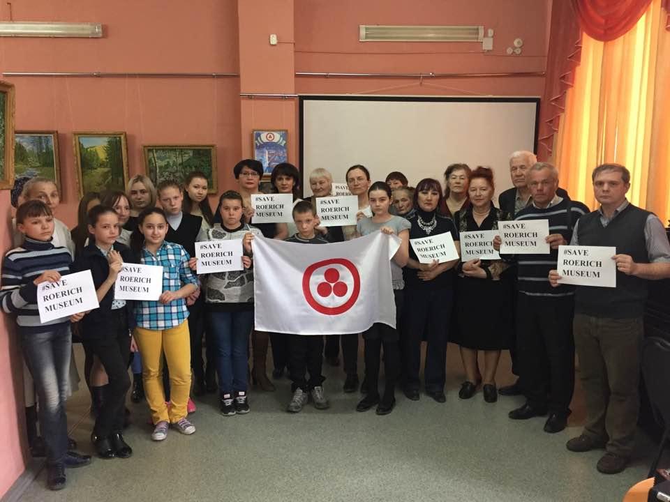 Школьники и общественность<br/>Абакана и Черногорска