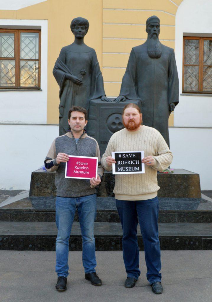 <b>Дмитрий Ревякин</b> <br/>г. Москва <br/>https://vk.com/id418782663