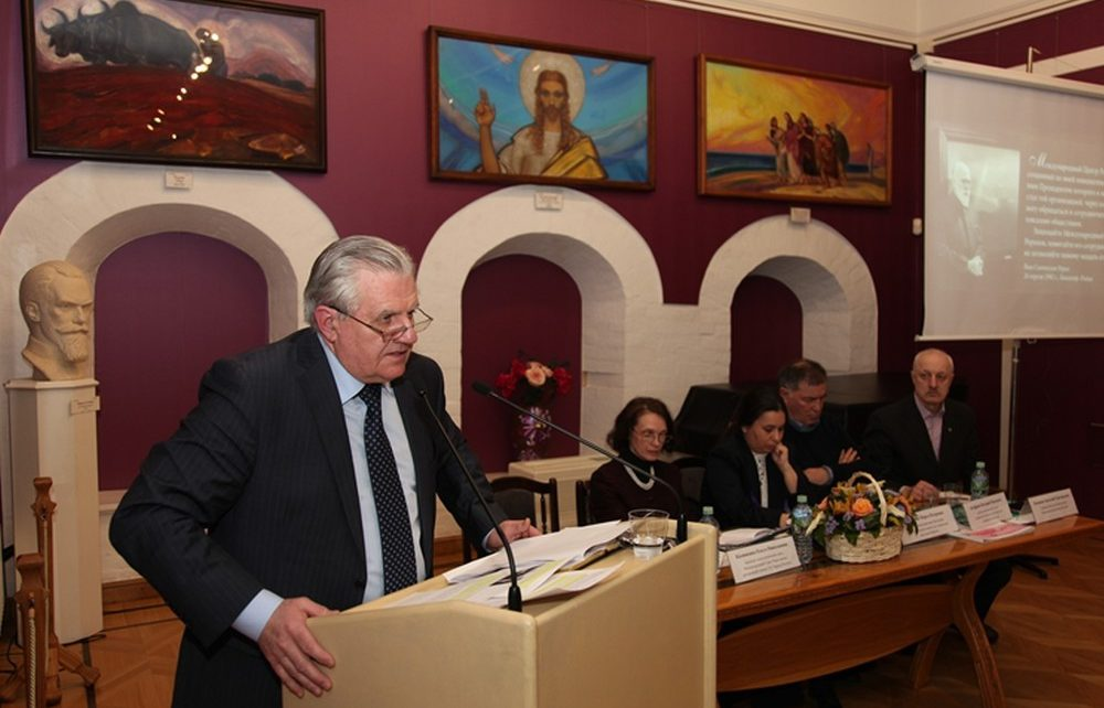 Aleksander Stecenko speaking at meeting of International community March 25, 2017