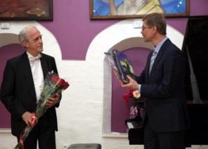 Атанас Куртев (слева), П.М. Журавихин