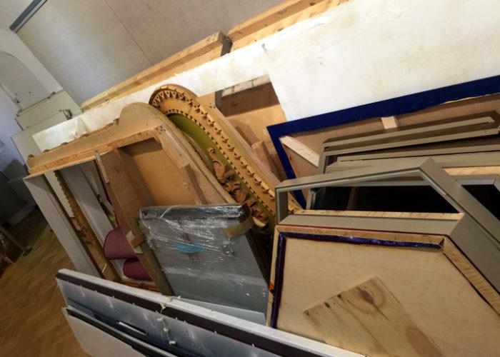 Части деревянной резьбы из Русского зала